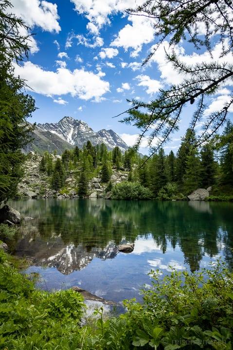 Lago di Val Viola vor Cima di Ruggiolo und Punta del Teo