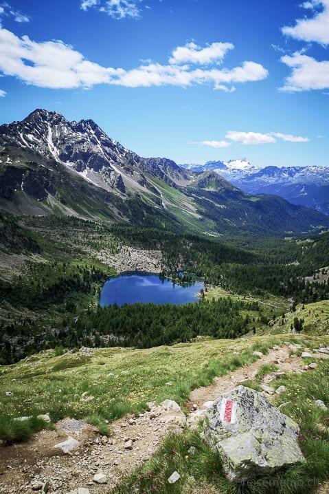 Wanderweg zum Lago di Val Viola mit Cima di Ruggiolo, Punta del Teo, Vetta Sperella und Pizzo Scalino