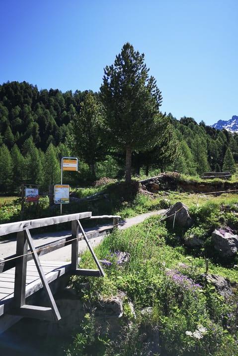 Postauto Endstation Alpe Campo und Beginn der Rundwanderung