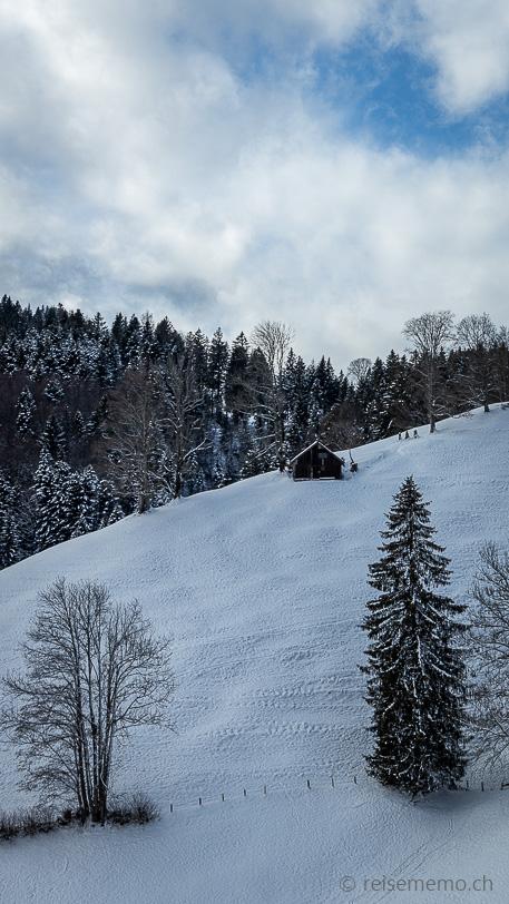 Scheune am winterlichen Chatzenstrick