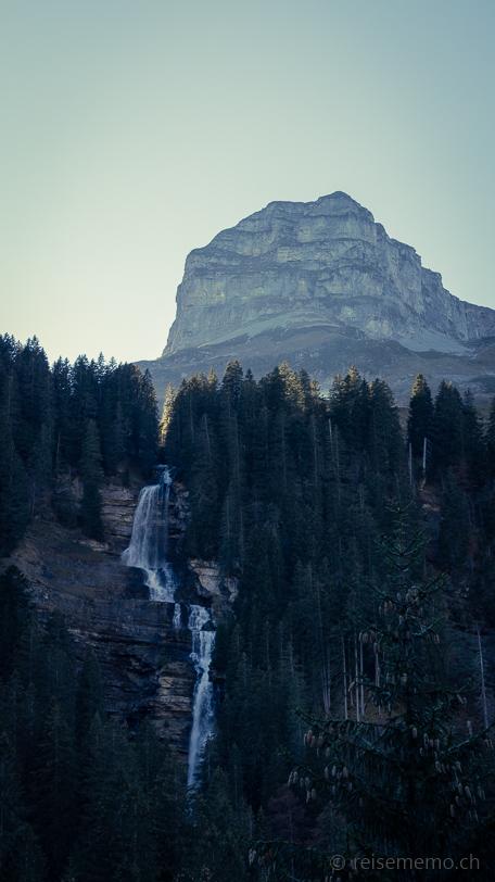 """Wasserfall Ruosalper Bach vor dem """"Namenlosen"""""""