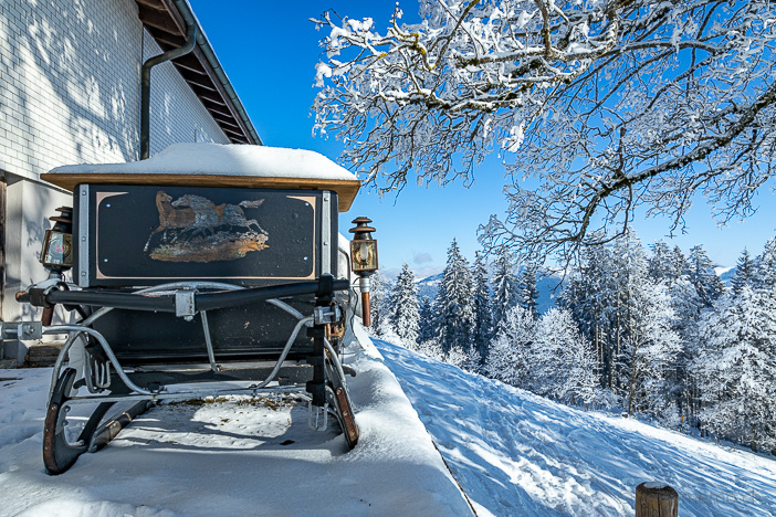 Winterkutsche auf dem verschneiten Bachtel Kulm