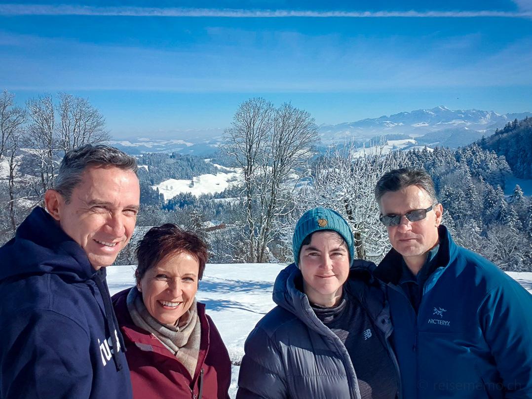 Winterwanderer v.l. Walter, Katja, Isabella, Stefan