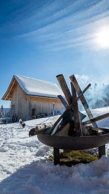 Winterliche Feuerstelle