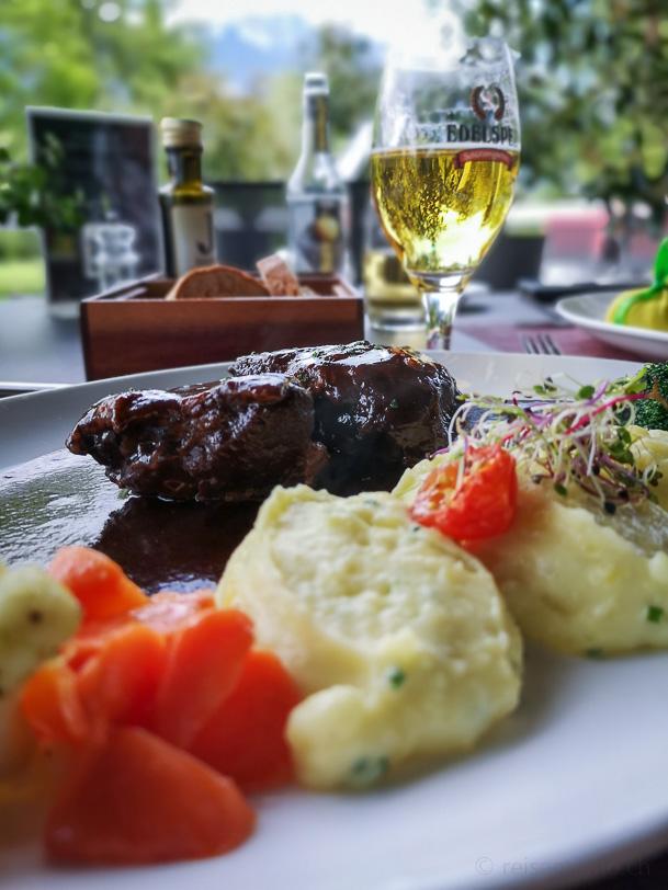 "Kalbsbäckli an ihrem Stampf im Restaurant ""gladys"", Golfplatz Bad Ragaz"
