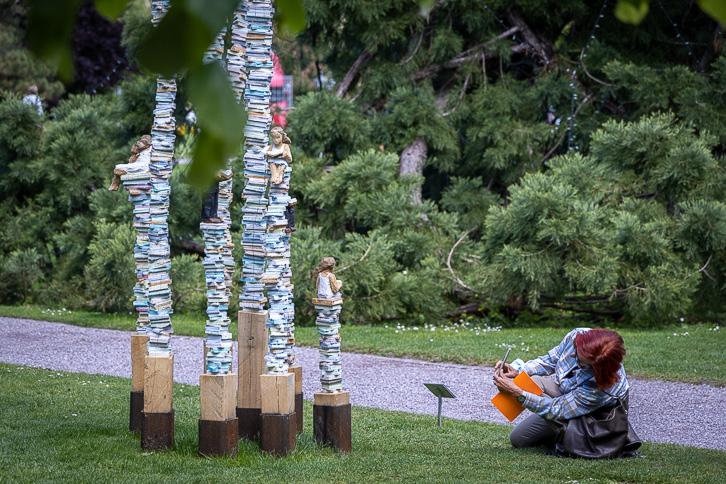 """Bücherturm"" von Daniel Eggli"