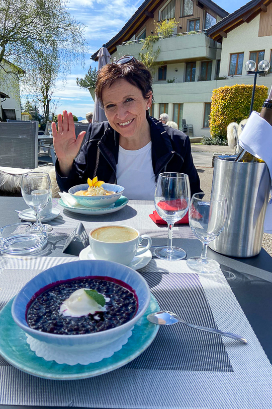 Katja im Restaurant Wolfensberg