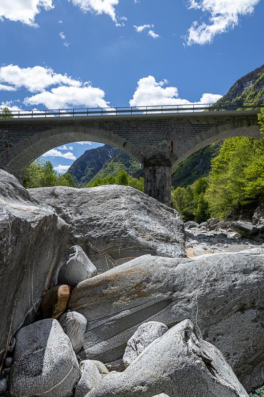 Autobrücke Ponte Verzasca