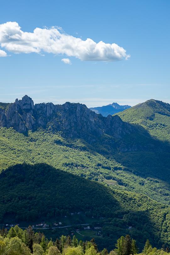 Bergkette Denti della Vecchia mit Monte Generoso im Hintergrund