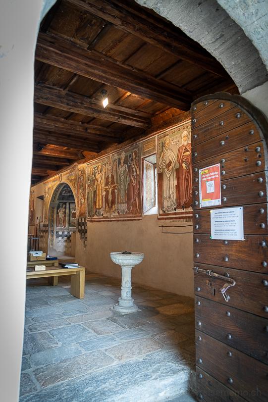 Fresken in der Kapelle San Barnàrd