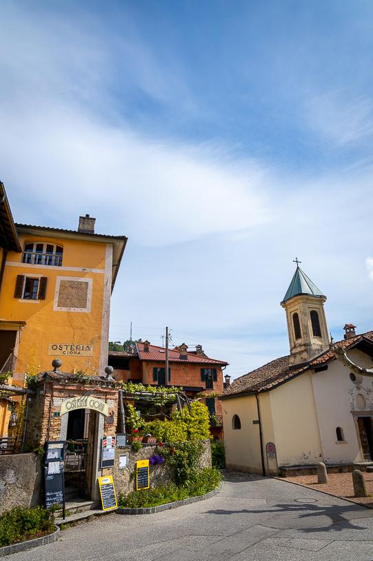 Osteria Grotto Ciona und Kapelle