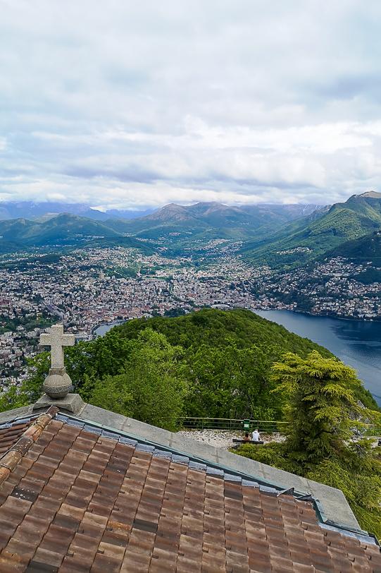 apelle mit Sicht auf Lugano