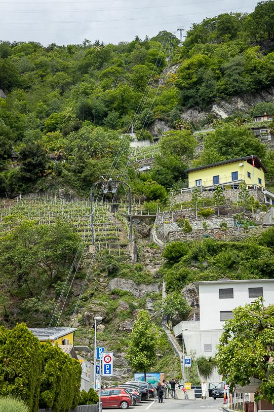 Kleiner Parkplatz der Seilbahn Monte Carasso - Mornera