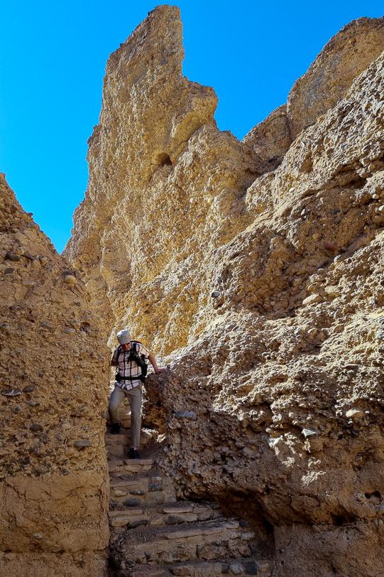 Walter steigt im Sesriem-Canyon ein