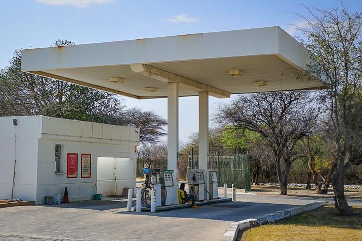 Staatliche Tankstelle in Namutoni, Etosha Nationalpark